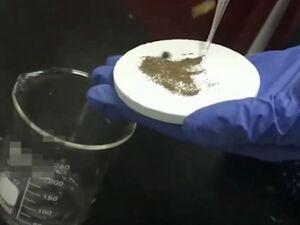 بتن «خودتمیزکننده» که مایعات را دفع میکند +عکس