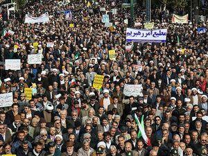 عکس/ راهپیمایی حمایت از اقتدار و امنیت در قزوین - کراپشده