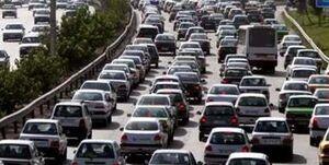 تهرانیها سالانه 300 ساعت در ترافیک میمانند