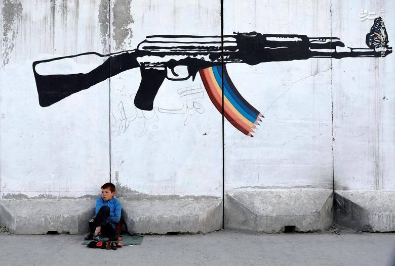 """یک """"واکسی"""" کودک در شهر کابل افغانستان/ 13 ژوئن 2019"""