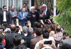 روحانی در روستای زلزلهزده دستجرد: به همه وعدهها عمل میکنیم/ دستور به بنیاد مسکن برای رسیدگی به زلزلهزدگان