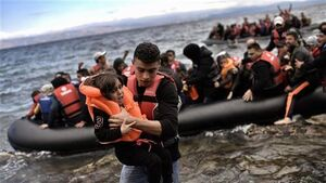 فیلم/ اقدام عجیب معترضان به حضور پناهجویان در یونان