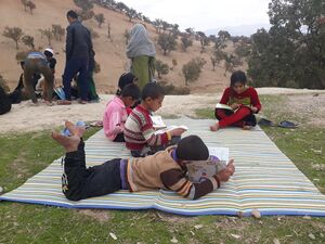 اشتیاق کودکان محروم به درس +عکس