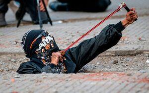 معترض شیلیایی در زیر خاک!