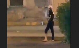 اسلحه در میان معترضان