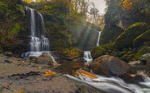 تصویر دیدنی از آبشار زمرد گیلان