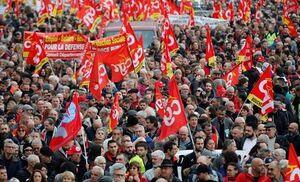 تظاهرات صدها هزار نفری کارگران در فرانسه +عکس و فیلم