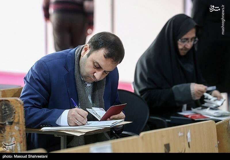 پیرهادی مدیرمسئول روزنامه رسالت
