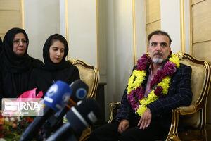 عکس/ دکتر مسعود سلیمانی در کنار خانواده