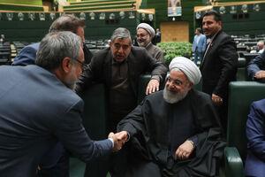عکس/ خوشوبش نمایندگان مجلس با روحانی