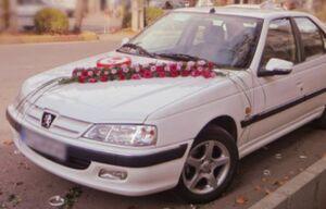 عکس/ ماشین عروسی که به یاد «شهید بابایی» تزیین شد