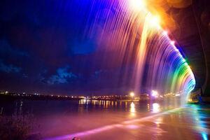 عکس/ طولانیترین آبشار مصنوعی خاورمیانه