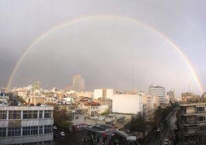 تصویری از رنگینکمان در آسمان تهران