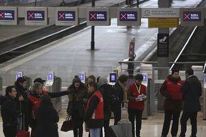 اعتصاب خطوط حمل و نقل عمومی در پاریس