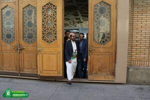 عکس/ حضور سفیر یمن در حرم حضرت معصومه(س)