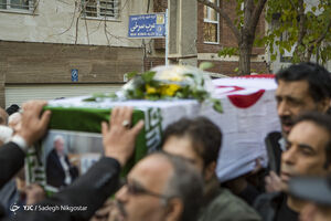 عکس/ تشییع پیکر پدر شهیدان«عرب سرخی»