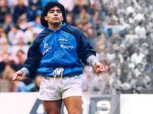 مارادونا: پله تمام افتخارت خود را مدیون همبازیهایش است