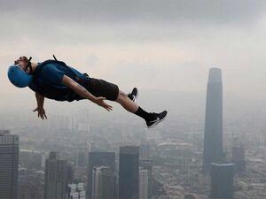 عکس/ پرش از برج کوالالامپور