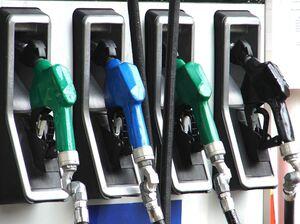 کاهش مصرف بنزین از آغاز طرح سهمیهبندی