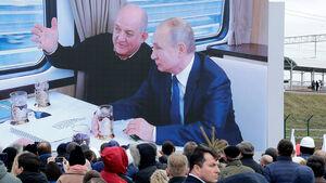 افتتاح خط آهن پل کریمه توسط پوتین