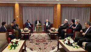 دیدار سخنگوی انصارالله یمن با ظریف در عمان