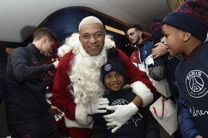 عکس/ امباپه در لباس بابانوئل