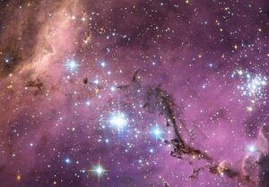 """کشف کهکشانی """"بشقاب پرنده"""" و سرنخهایی تازه از رشد سیاهچالهها+عکس"""