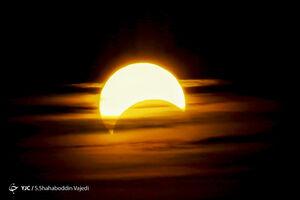 عکس/ خورشید گرفتگی صبح ۵ دی ماه