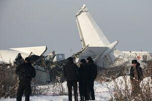 سقوط هواپیمای مسافربری در قزاقستان با 100 سرنشین +عکس