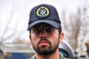 عکس/ اشکهای همرزم شهید خلبان رحمانی