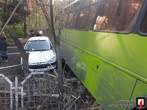 عکس/ برخورد اتوبوس شهری با چهار خودرو