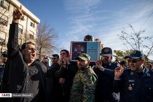 عکس/ تشییع پیکر شهید رحمانی بر دوش همرزمانش