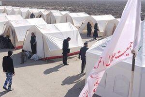 عکس/ برپا شدن چادرهای هلالاحمر برای مردم زلزلهزده سیسخت