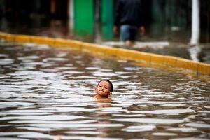 عکس/ وقوع سیل مرگبار در اندوزی