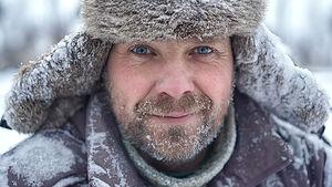 فیلم/ چقدر طول میکشد کاسه داغ غذا در سیبری یخ بزند؟
