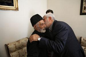 تصاویری از شهید ابومهدی المهندس در منزل شهید نصیری