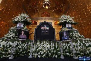 آماده سازی جایگاه مراسم وداع با پیکر شهدا در حرم رضوی