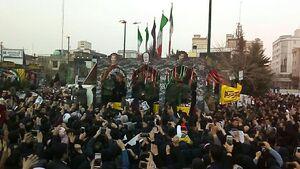 فیلم/ استقبال پرشور مردم مشهد از شهدای مقاومت
