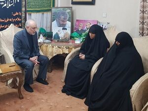 حضور رئیس و سخنگوی سازمان انرژی اتمی در منزل سردار سلیمانی