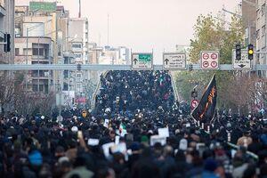 عکس/ سردار جعفری در میان تشییعکنندگان تهرانی