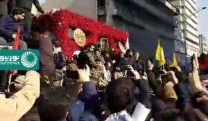 فیلم/ تشییع پیکرهای شهدا به سمت میدان آزادی