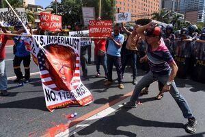 عکس/ واکنش مردم فیلیپین به حماقت ترامپ