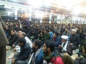 عکس/ انتظار مردم کرمان در مصلی امام علی(ع)