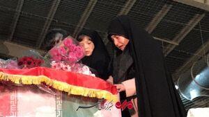 فیلم/ لحظه جانسوز حضور دختران شهید طارمی کنار پیکر پدر