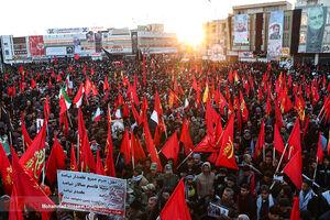 کرمانیها با پرچم قرمز آمدند
