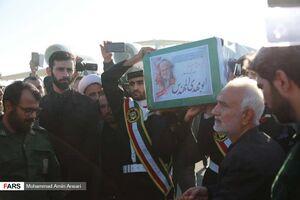 ورود پیکر پاک و مطهر شهید ابومهدی المهندس به فرودگاه آبادان