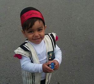 کودکی که قلبش زیر عکس حاج قاسم میتپد +عکس