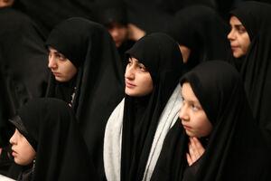 عکس/ دختران شهدای مقاومت در حسینیه امام خمینی(ره)