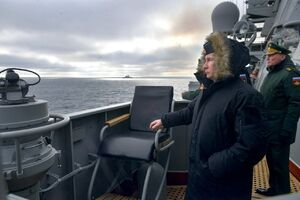 پوتین در حال تماشای آزمایش موشکی