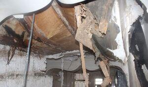 خانهای که در اثر بارشهای امروز سقفش ریزش کرد
